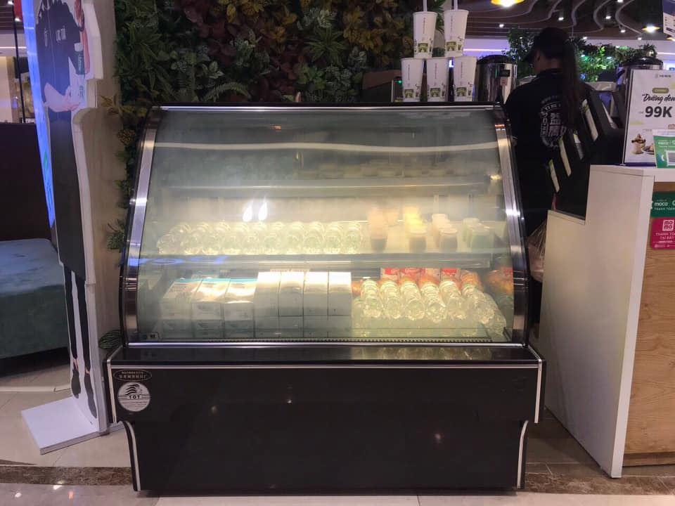 Tủ bánh kem kính cong 1m2