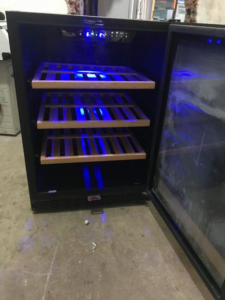 Tủ bảo quản rượu vang SRW-54S - 54 chai