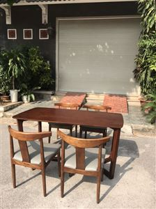Bàn ghế gỗ sồi mặt ghế bọc da sịn loại 1