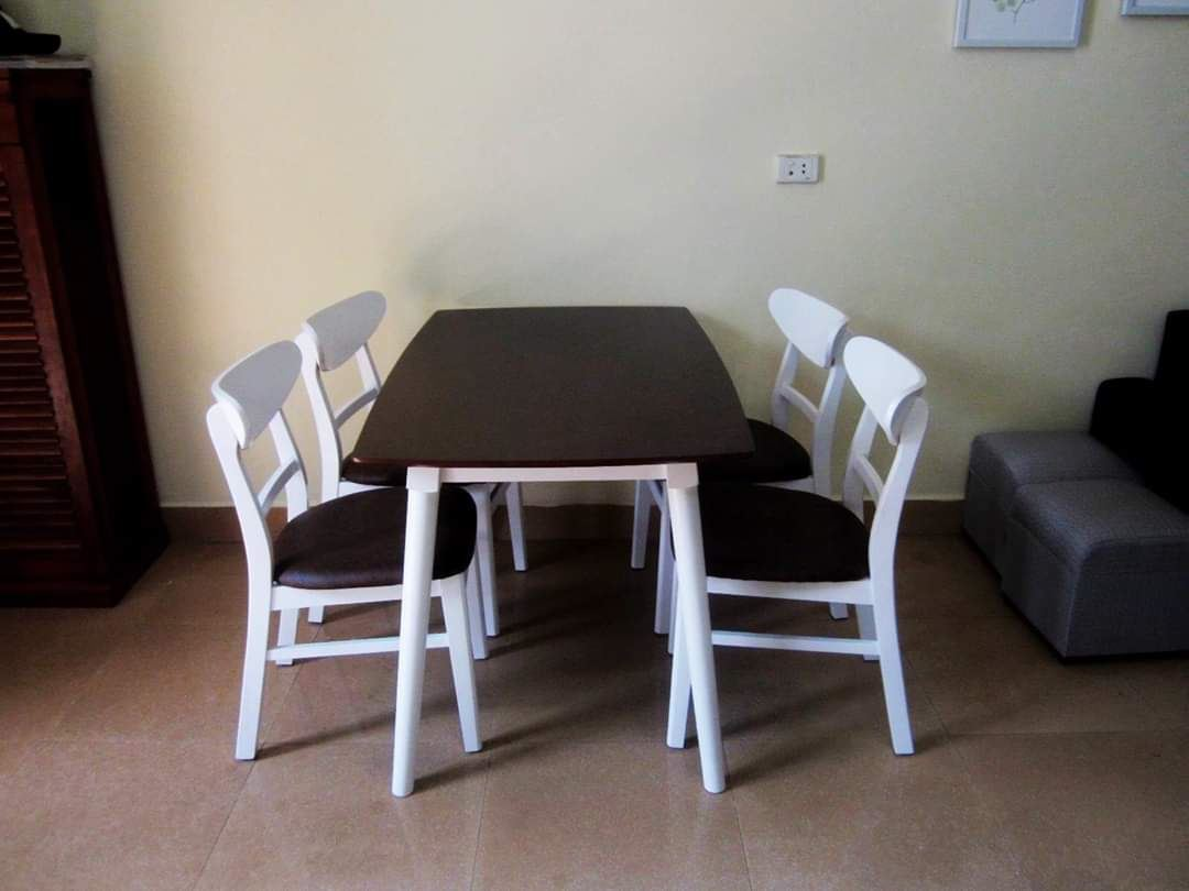 Bộ bàn ăn gia đình loại 1