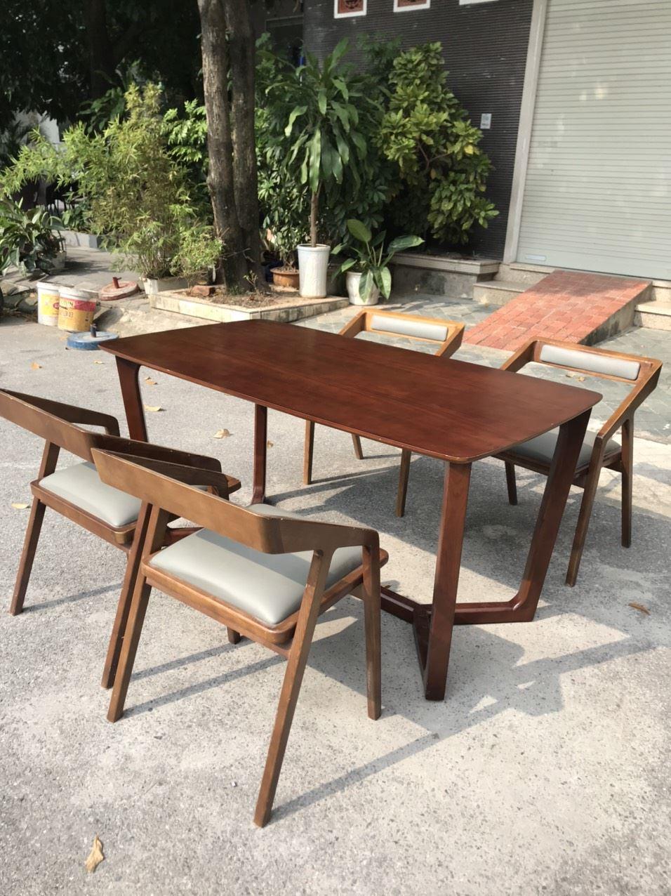 Bộ bàn ghế gỗ sồi mặt ghế bọc da loại 2