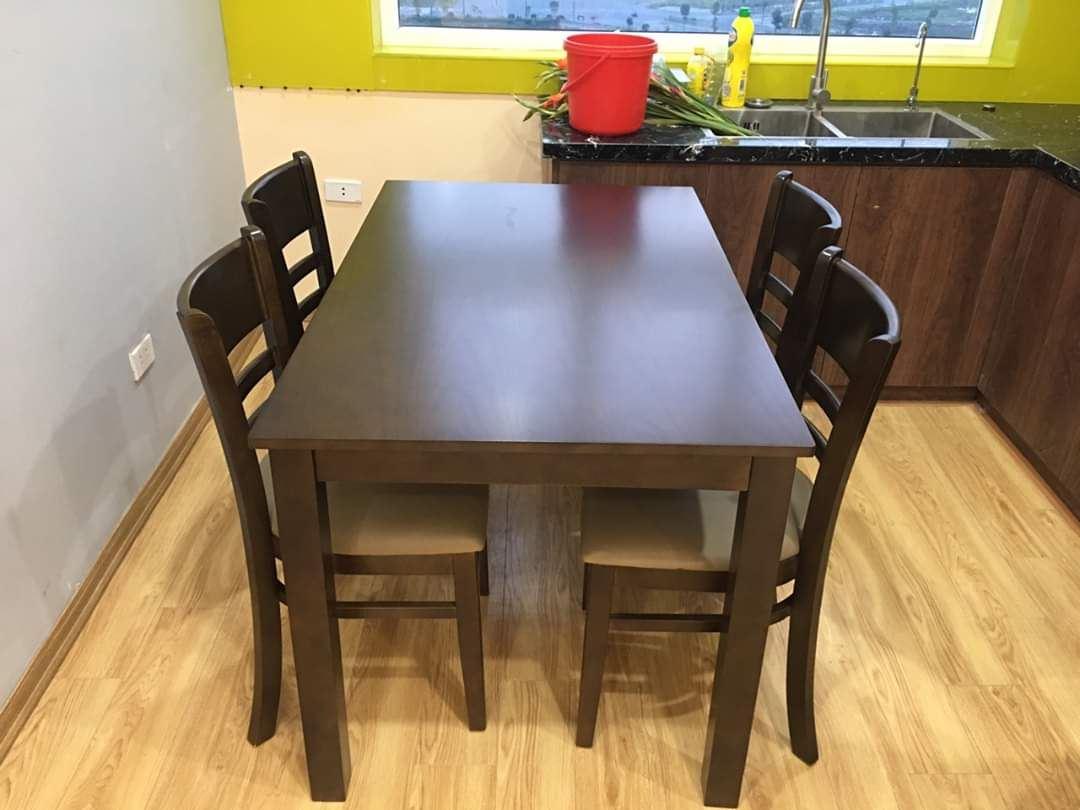 Bộ bàn ăn gia đình loại 9
