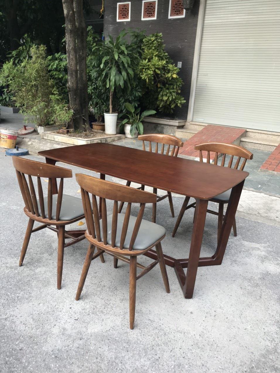 Bộ bàn ghế gỗ sồi mặt ghế bọc da loại 3