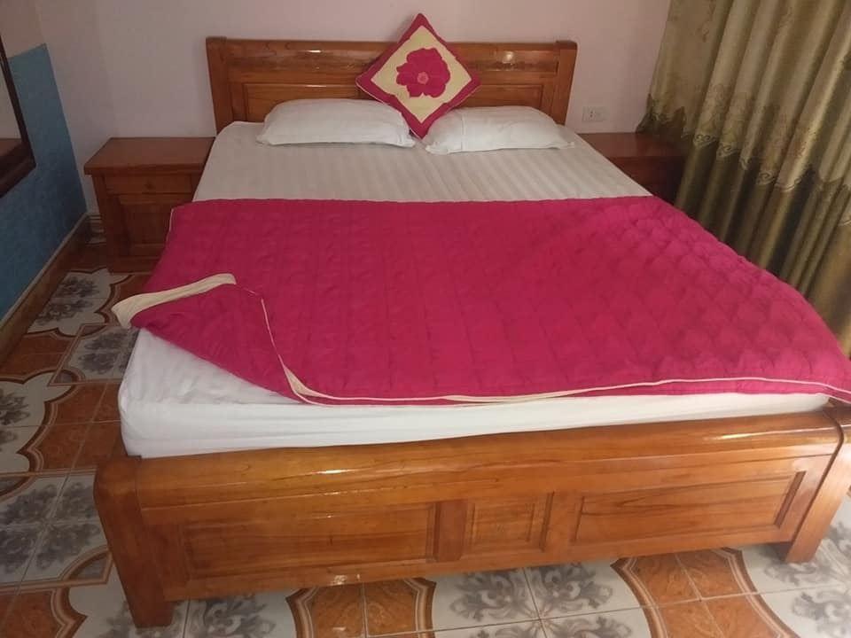Combo giường chăn ga gối 1m6 x 2m mới 90%